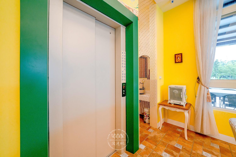 美村民宿電梯